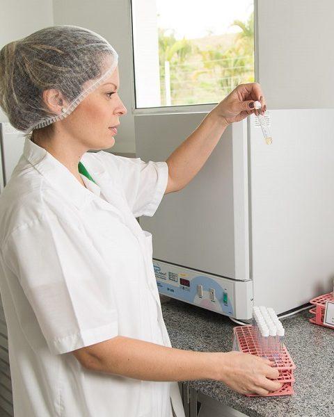 Acreditação do processamento de produtos para saúde